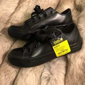 Shoes - Brand New Thredsafe Leather Work Shoes 👟